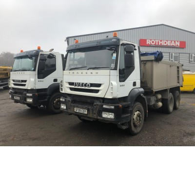 2009 IVECO TRAKER 330 ED ACTIVE DAY CAB