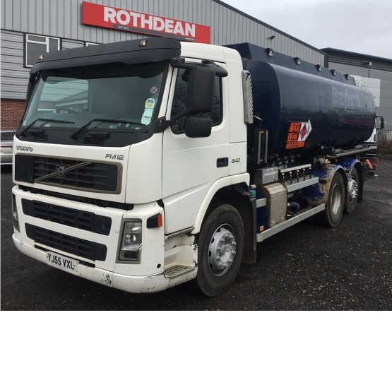 2005 VOLVO FM12 in Tank Rigid Vehicles