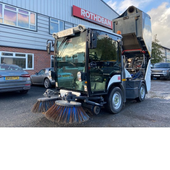 2016 BOSCHUNG S2 in Compact Sweepers