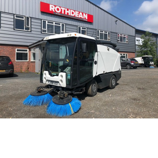 2009 JOHNSTON CX200 in Compact Sweepers