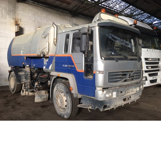 2002 VOLVO FL220 in Truck Mounted Sweepers