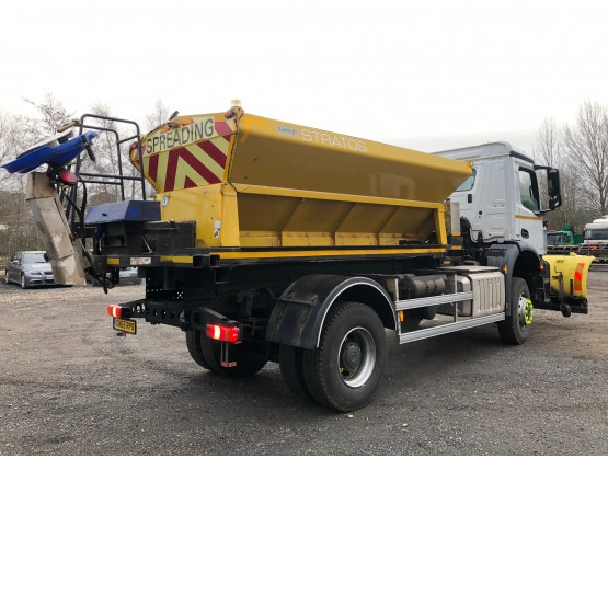 2015 MERCEDES AROCS1824 4 X 4 GRITTER / PLOUGH in Gritters