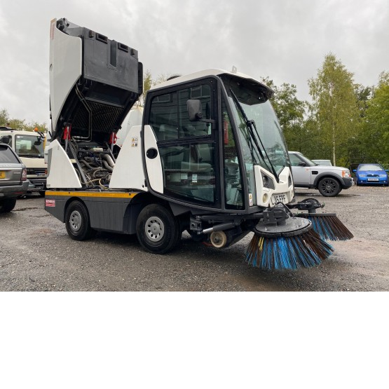 2015 JOHNSTON C201 in Compact Sweepers