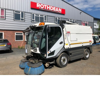 2013 JOHNSTON CX400 SWEEPER