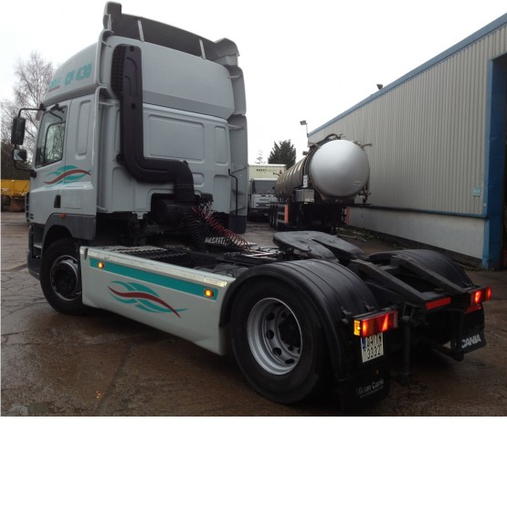 2004 DAF CF85-430 in 4x2 Tractor Units