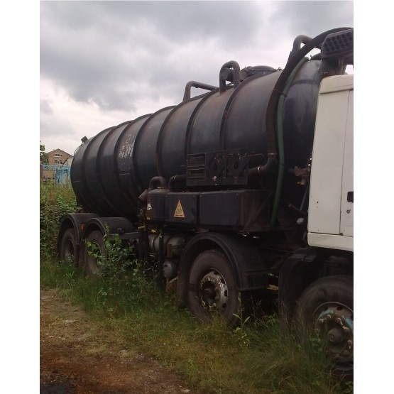 1998 VOLVO FL10-320 VACUUM TANKER in Tank Rigid Vehicles