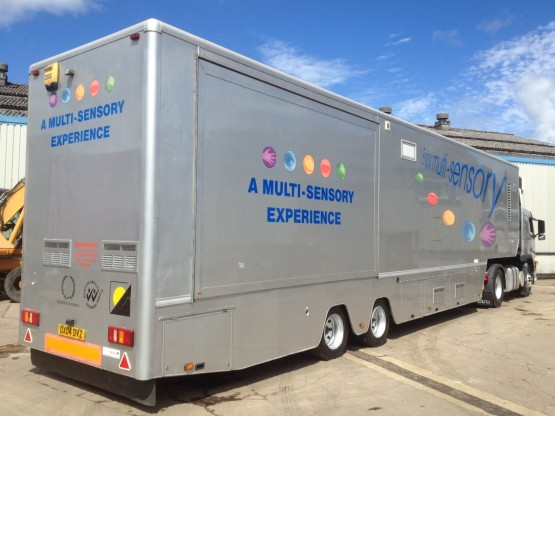 2004 AHP EXHIBITION BOX in Box Trailers Trailers
