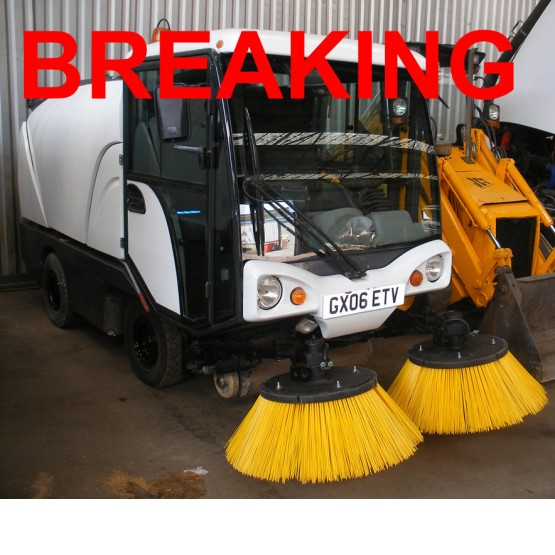 2006 JOHNSTON COMPACT 50 ROAD SWEEPER in Compact Sweepers