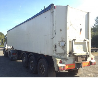 2001 UNITED TRAILERS BULK ALLOY