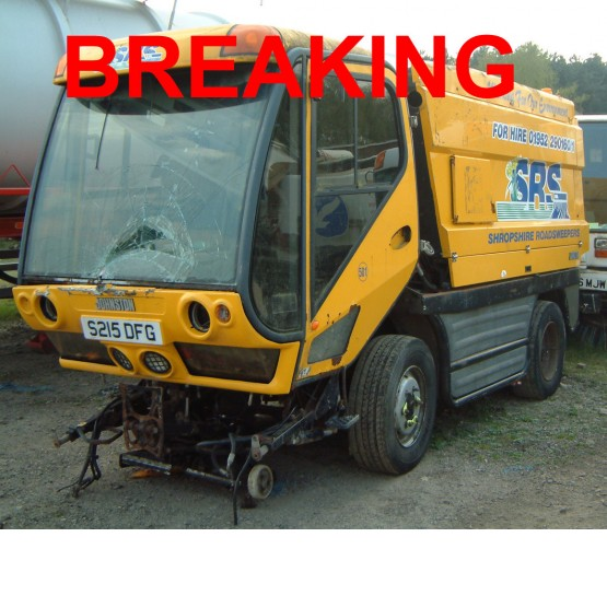 1998 JOHNSTON 5000 ROAD SWEEPER in Compact Sweepers