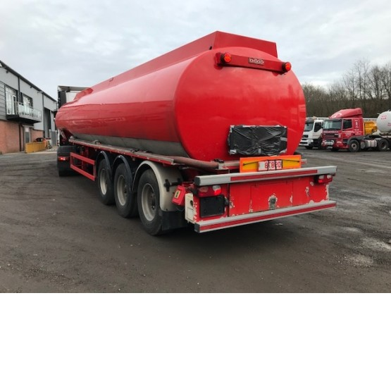 2010 COBO FUEL TANKER in Food & Chemical Tankers Trailers