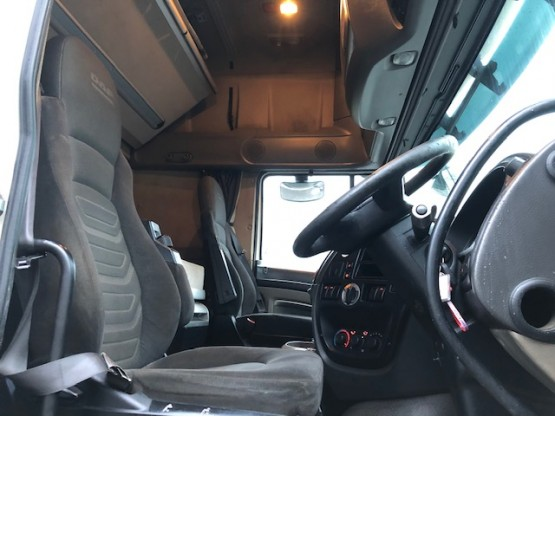 2011 DAF XF105-460 SUPER SPACE CAB in 6x2 Tractor Units